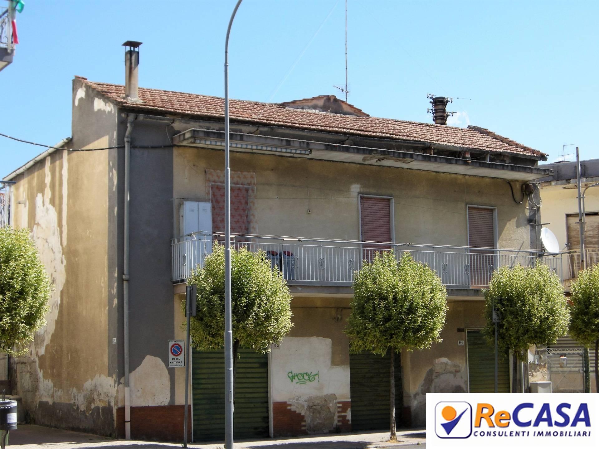 Soluzione Indipendente in Vendita a Montecorvino Pugliano