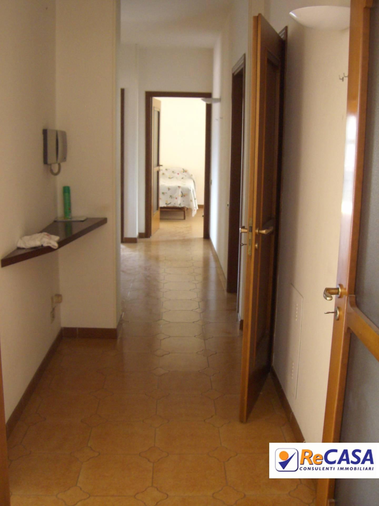 Appartamento in vendita a Montecorvino Rovella, 4 locali, zona Zona: Nuvola, prezzo € 115.000   Cambio Casa.it