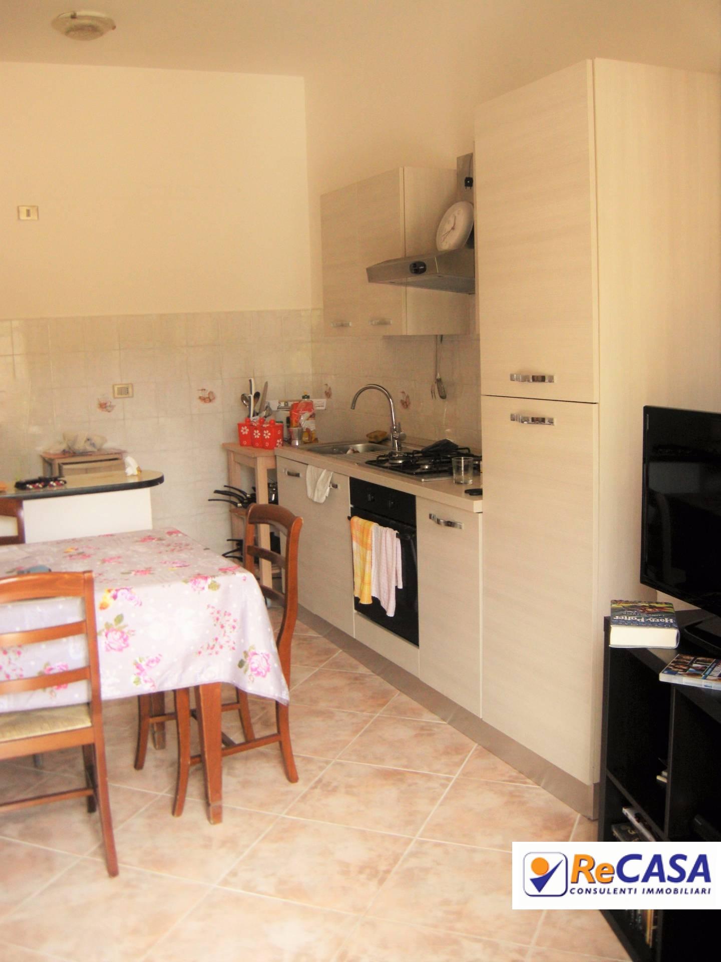 Appartamento in affitto a Pontecagnano Faiano, 3 locali, zona Zona: Pontecagnano, prezzo € 350 | Cambio Casa.it