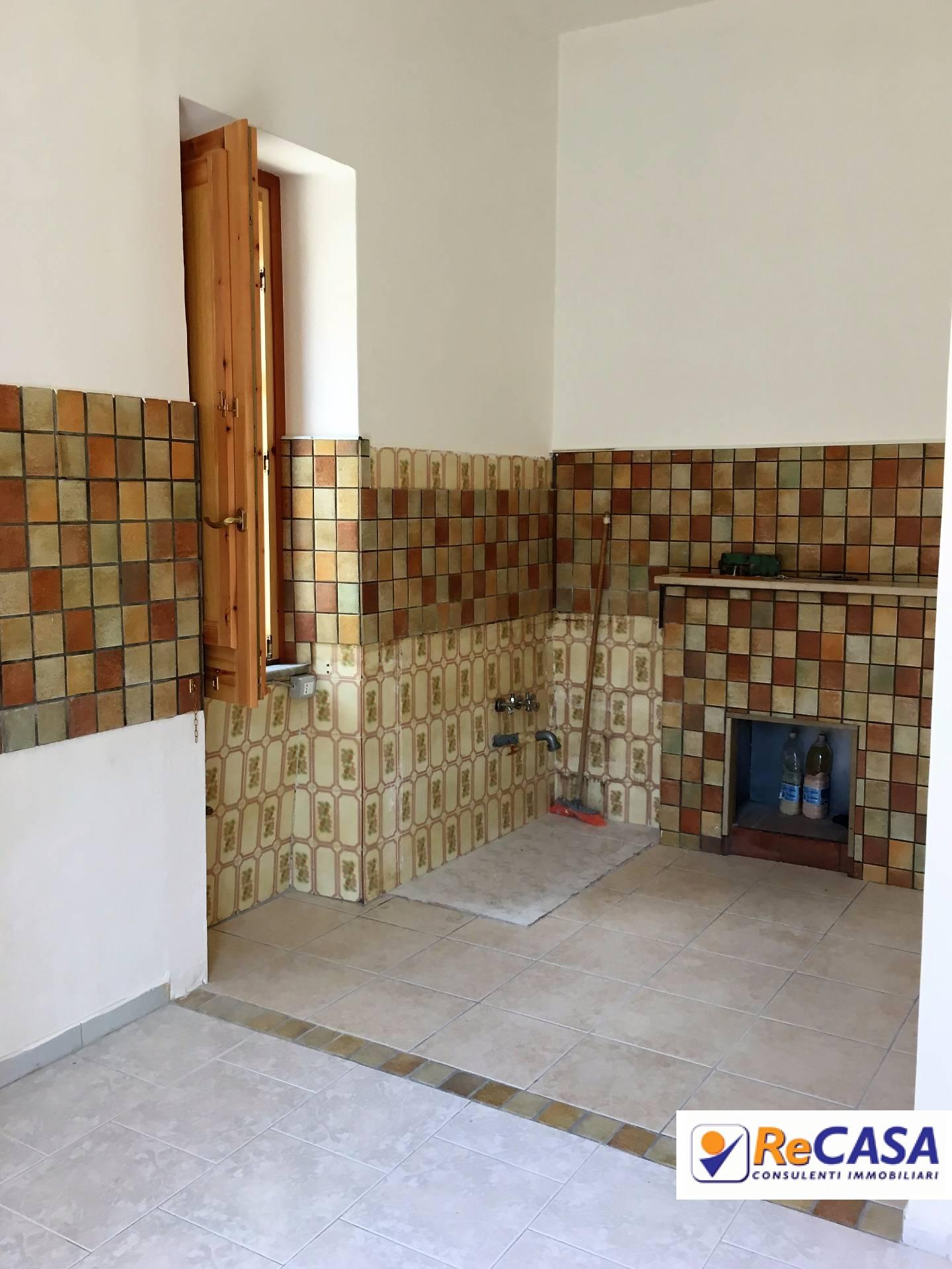 Appartamento in affitto a Montecorvino Rovella, 3 locali, zona Località: Centro, prezzo € 300 | CambioCasa.it