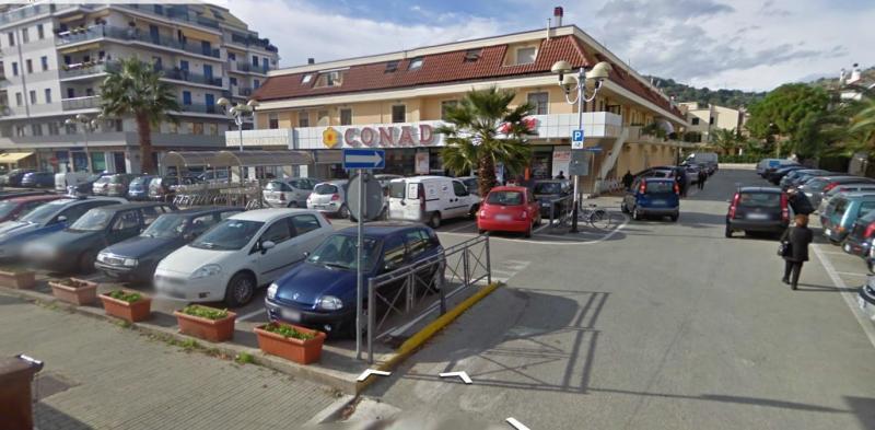 Box / Garage in vendita a San Benedetto del Tronto, 1 locali, zona Località: CENTRALEVERSOSUD, prezzo € 35.000 | CambioCasa.it