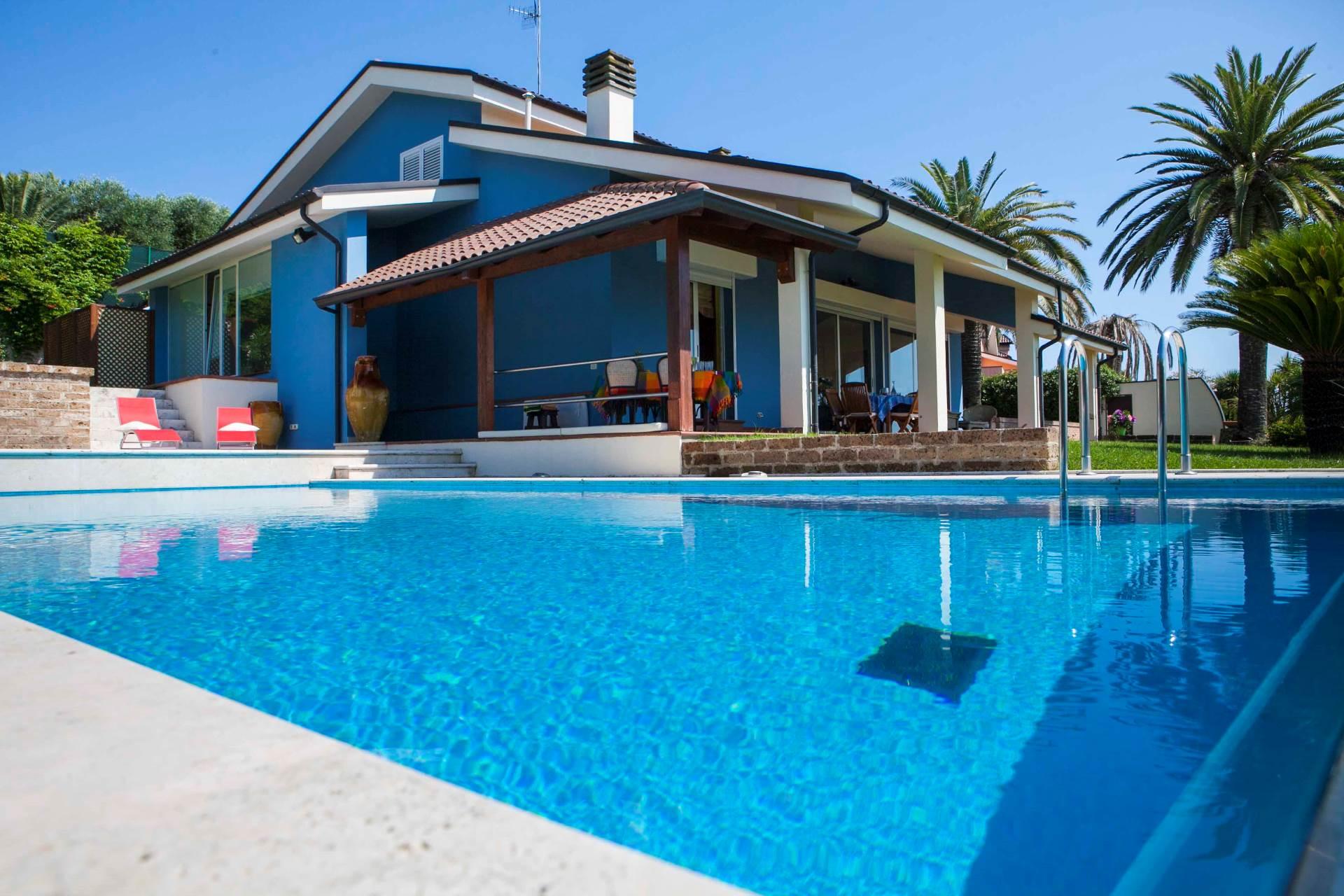 Villa in affitto a Monteprandone, 10 locali, zona Località: Residenziale, prezzo € 1.400 | CambioCasa.it
