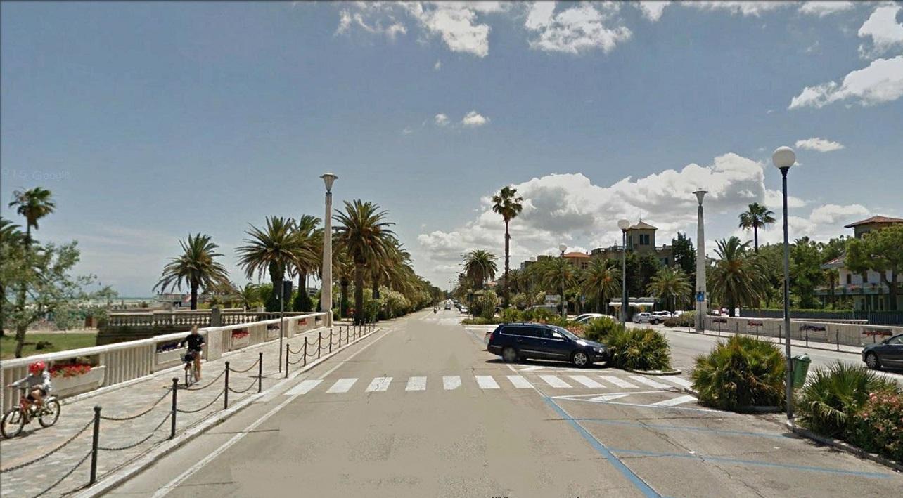 Villa in vendita a San Benedetto del Tronto, 10 locali, zona Località: MARE, Trattative riservate | CambioCasa.it