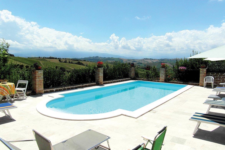 Rustico / Casale in affitto a Acquaviva Picena, 3 locali, zona Zona: Forola, prezzo € 800 | CambioCasa.it