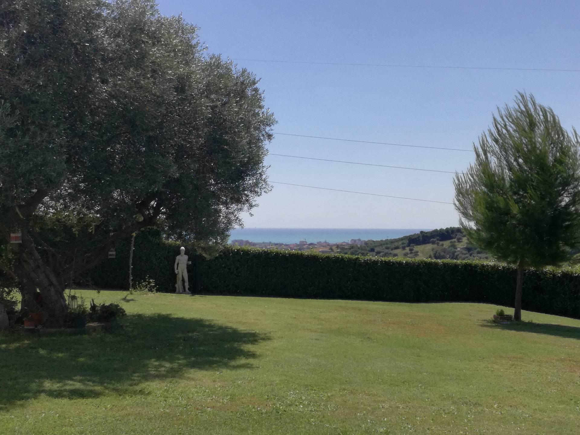 Villa in affitto a San Benedetto del Tronto, 5 locali, zona Località: Zonapanoramica, prezzo € 600 | CambioCasa.it