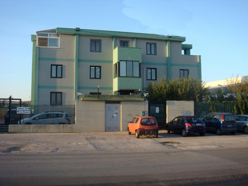 Capannone in affitto a Modugno, 9999 locali, Trattative riservate | Cambio Casa.it
