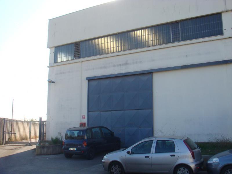 Capannone in affitto a Modugno, 9999 locali, zona Località: ZonaIndustriale, Trattative riservate | Cambio Casa.it