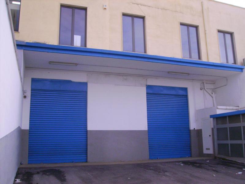 Capannone in affitto a Bari, 9999 locali, zona Località: S.Pasquale, Trattative riservate | Cambio Casa.it