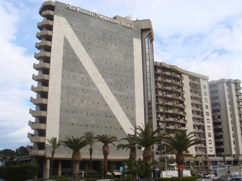 Negozio / Locale in vendita a Bari, 9999 locali, zona Zona: Poggiofranco,  | Cambiocasa.it