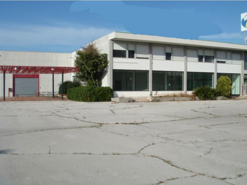 Capannone in vendita a Modugno, 9999 locali, zona Località: ZonaIndustriale, Trattative riservate | Cambio Casa.it