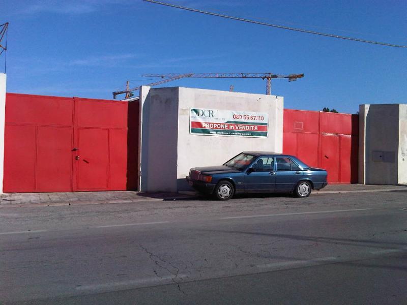 Negozio / Locale in vendita a Bari, 9999 locali, zona Zona: Japigia,  | Cambiocasa.it