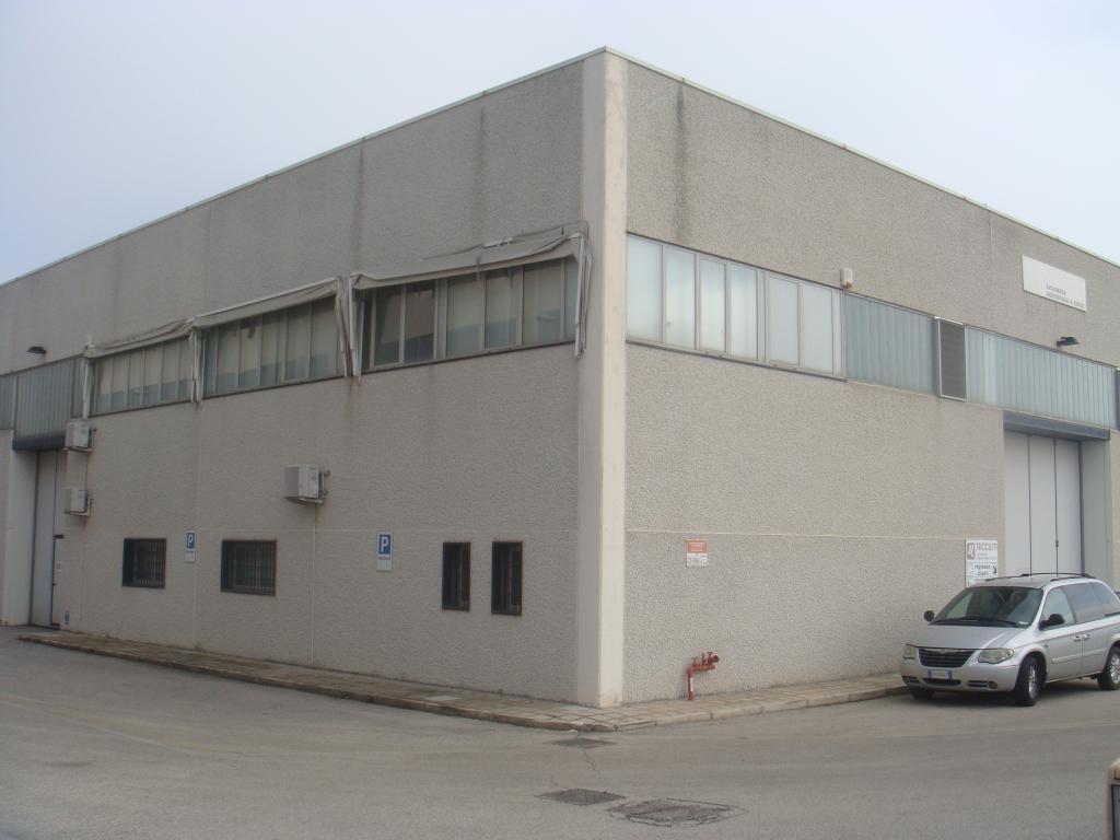 Negozio / Locale in affitto a Modugno, 9999 locali, Trattative riservate | Cambio Casa.it