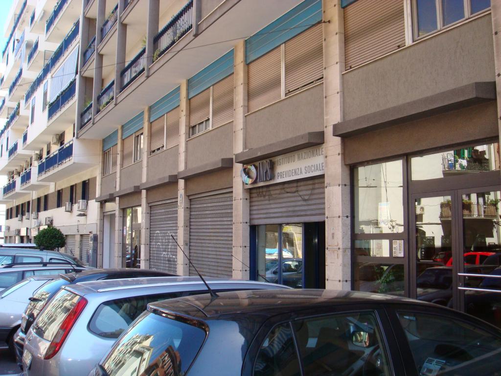 Negozio / Locale in vendita a Bari, 9999 locali, zona Località: S.Pasquale,  | Cambiocasa.it