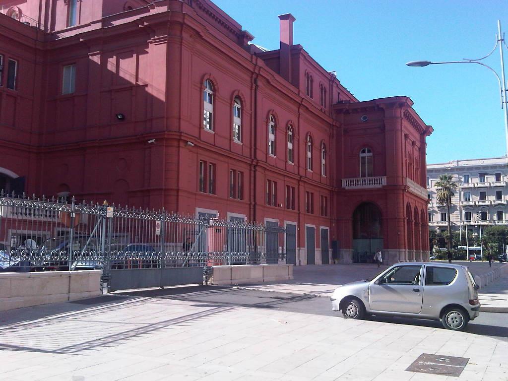 Attività / Licenza in Vendita a Bari