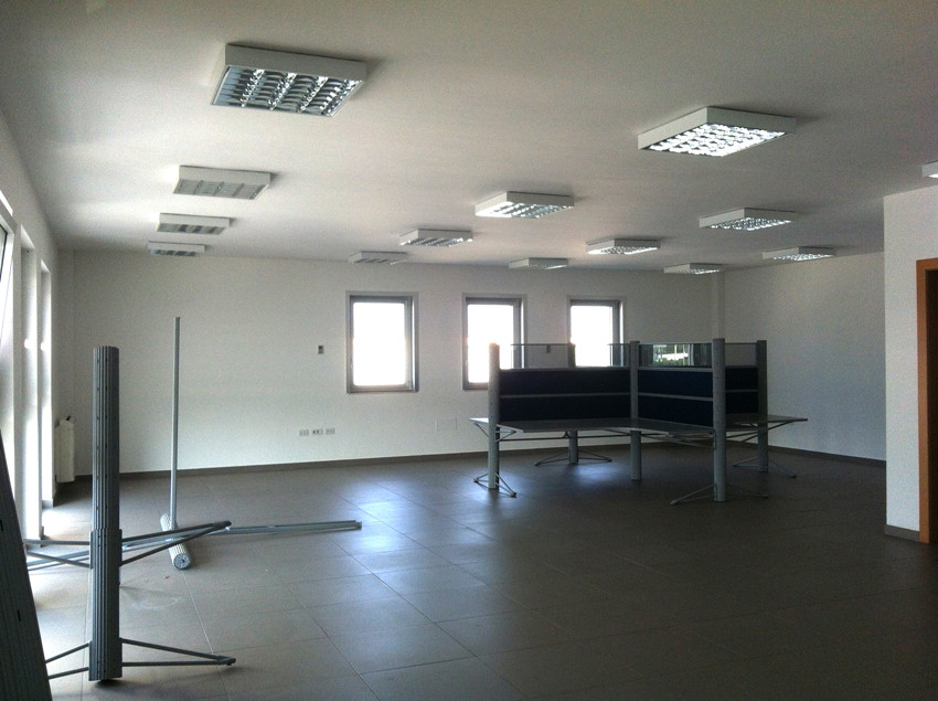 Ufficio / Studio in affitto a Modugno, 9999 locali, zona Località: ZonaIndustriale, prezzo € 900 | Cambio Casa.it