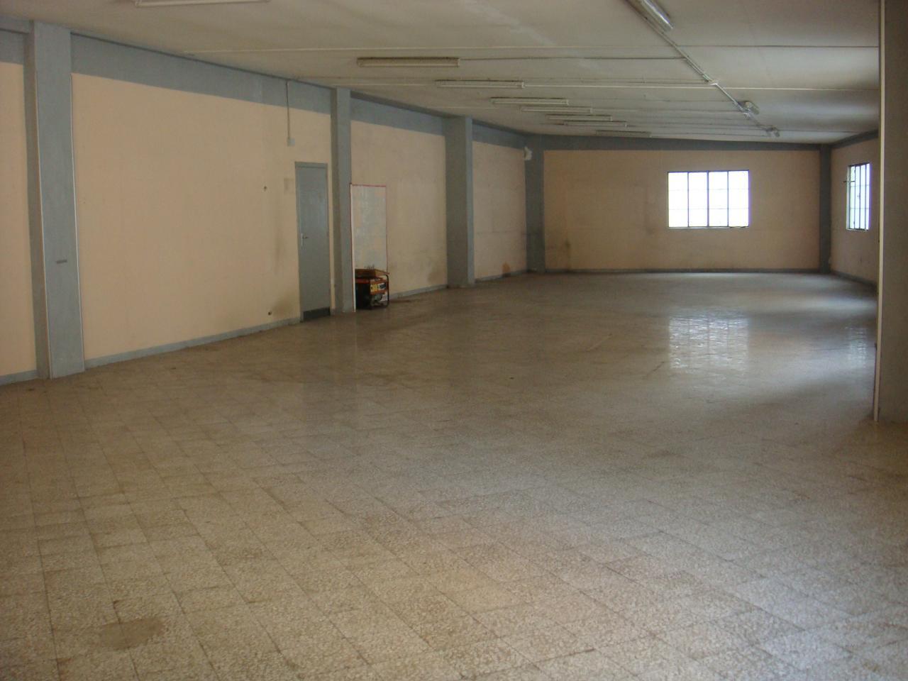 Capannone in vendita a Bari, 9999 locali, zona Zona: Carrassi, prezzo € 220.000 | Cambio Casa.it