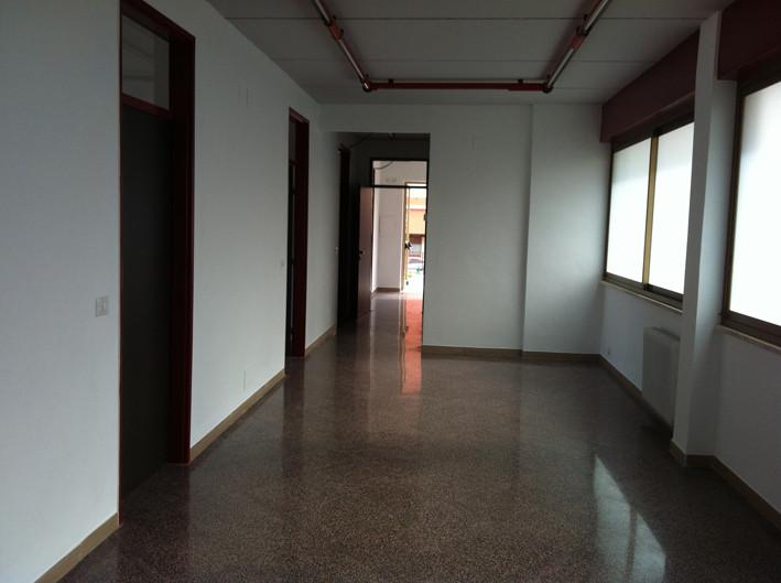 Ufficio / Studio in affitto a Bari, 9999 locali, zona Zona: Carrassi, Trattative riservate | Cambio Casa.it