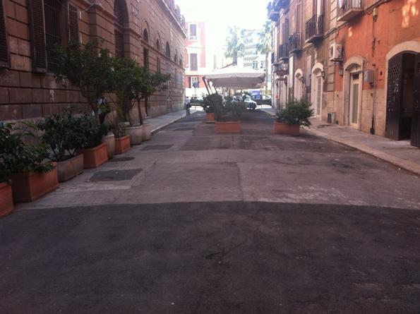 Negozio / Locale in affitto a Bari, 9999 locali, zona Zona: Murat, Trattative riservate | Cambio Casa.it