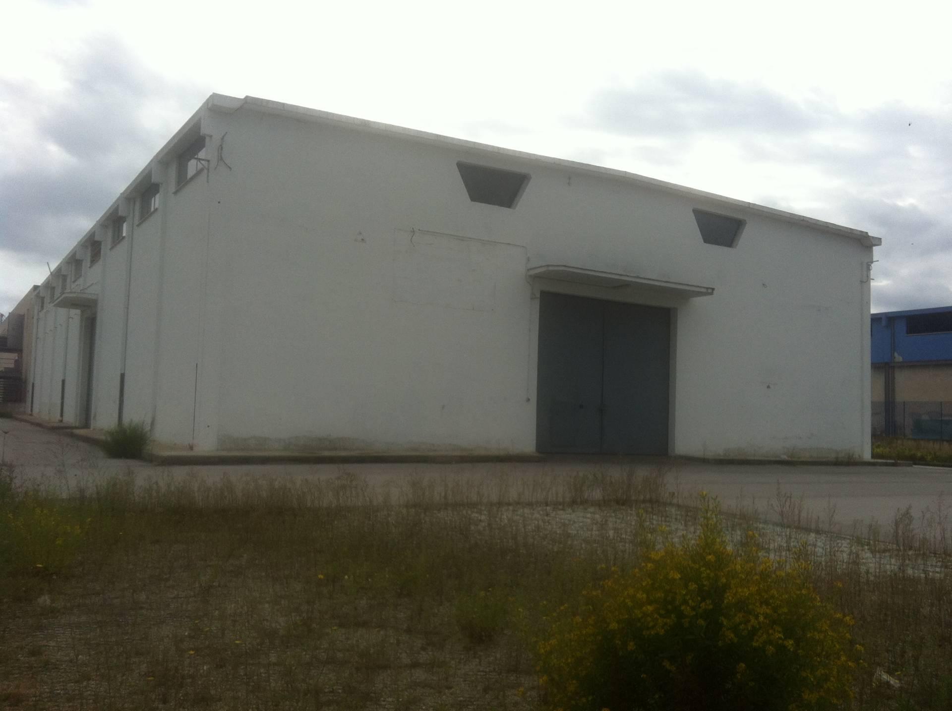 Capannone in affitto a Bitonto, 9999 locali, Trattative riservate | Cambio Casa.it