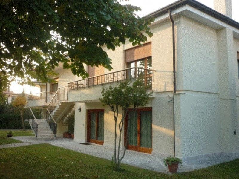 Soluzione Indipendente in vendita a Preganziol, 12 locali, zona Zona: Frescada, prezzo € 390.000 | CambioCasa.it