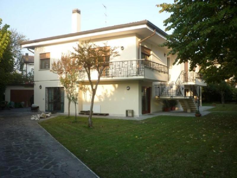 Soluzione Indipendente in vendita a Preganziol, 12 locali, zona Zona: Frescada, prezzo € 390.000 | Cambio Casa.it