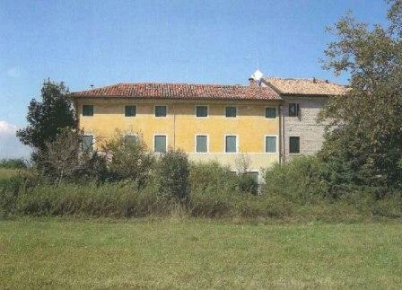 Rustico / Casale in vendita a Treviso, 12 locali, zona Località: S.Bona, prezzo € 200.000 | CambioCasa.it