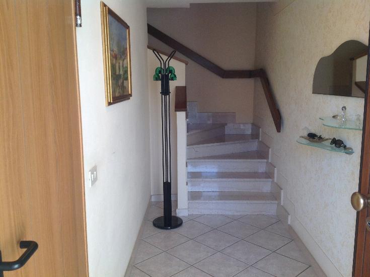 Villa a Schiera in vendita a Santa Maria a Monte, 6 locali, zona Località: SANTAMARIAAMONTE, prezzo € 235.000   Cambio Casa.it