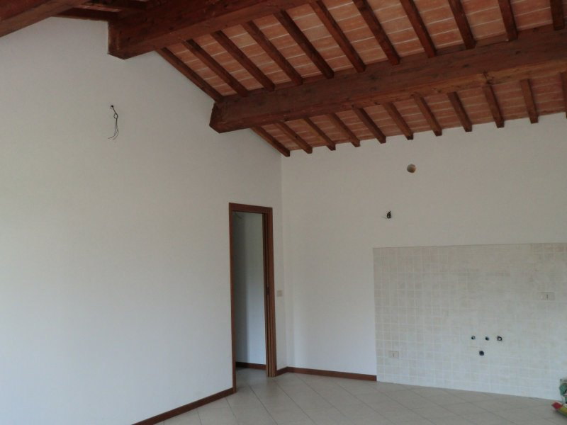 Appartamento in vendita a Santa Maria a Monte, 2 locali, zona Località: LeFontine, prezzo € 105.000 | CambioCasa.it