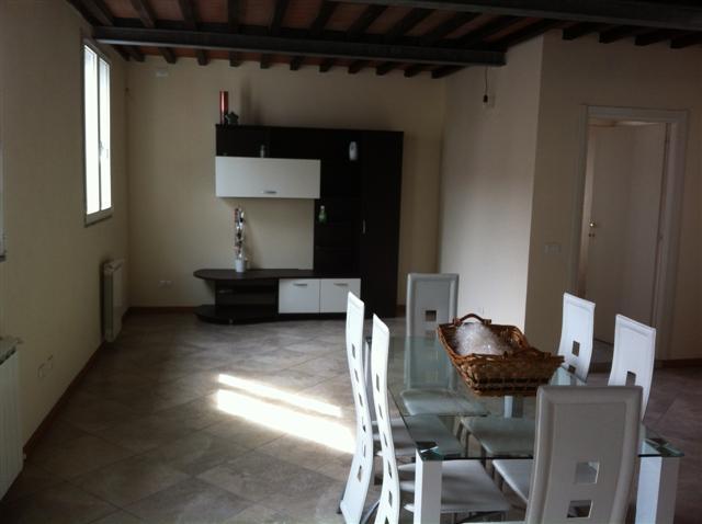 Appartamento in affitto a Bientina, 2 locali, zona Località: BIENTINA, prezzo € 600 | Cambio Casa.it