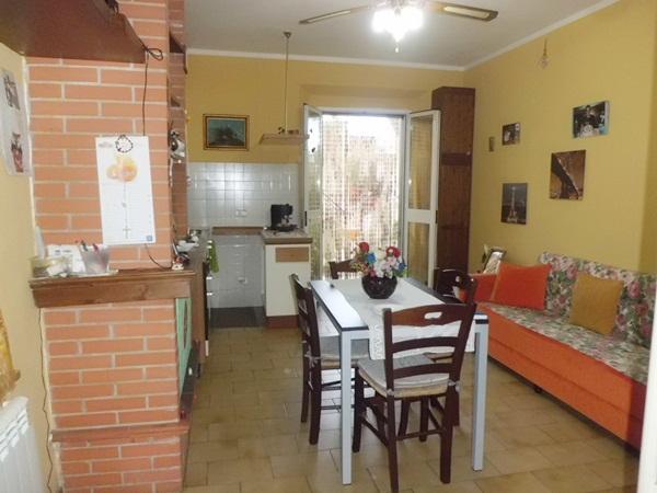 Bilocale Vicopisano Via Lungarno Garibaldi 33 1
