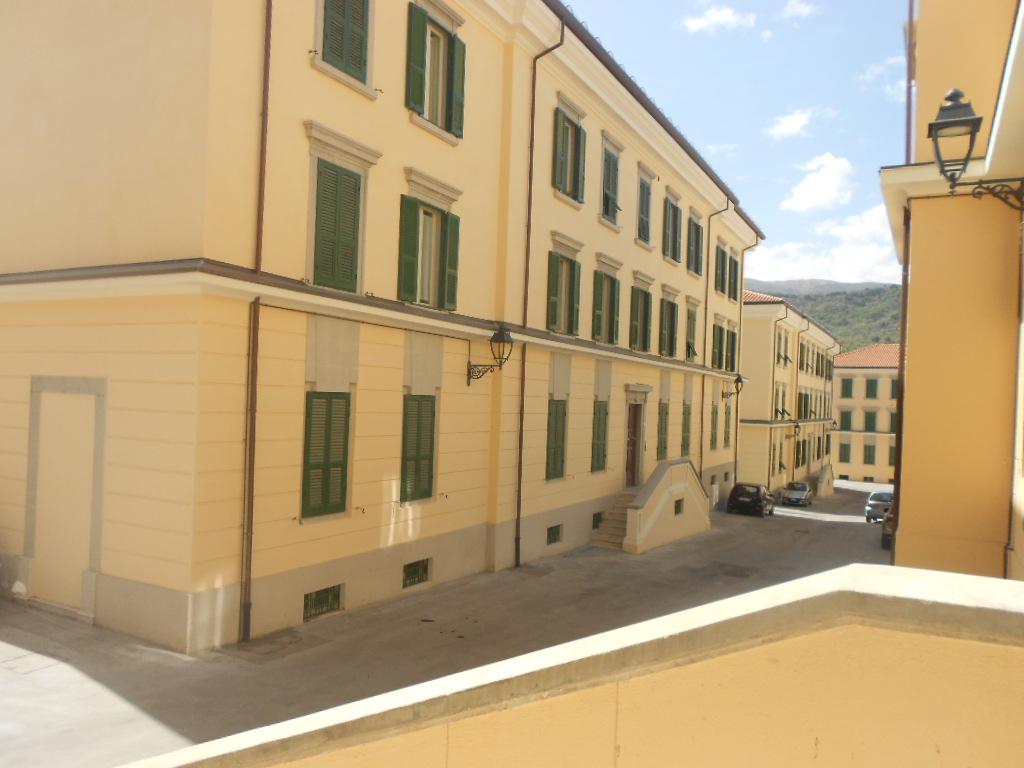 Appartamento in vendita a L'Aquila, 4 locali, zona Località: VillaComunale, Trattative riservate | CambioCasa.it