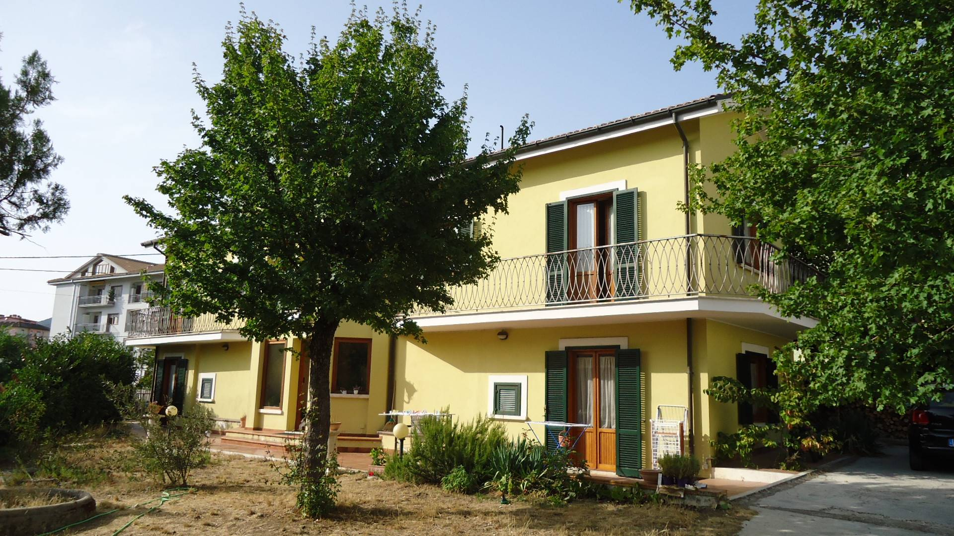 Villa in vendita a L'Aquila, 5 locali, zona Zona: Torrione, Trattative riservate | CambioCasa.it