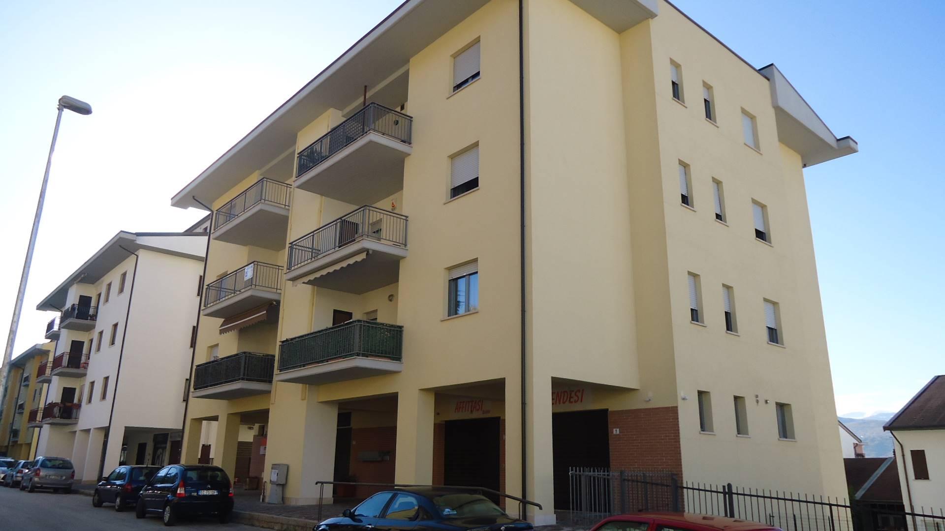 Appartamento in vendita a L'Aquila, 5 locali, zona Zona: Pettino, prezzo € 170.000   CambioCasa.it