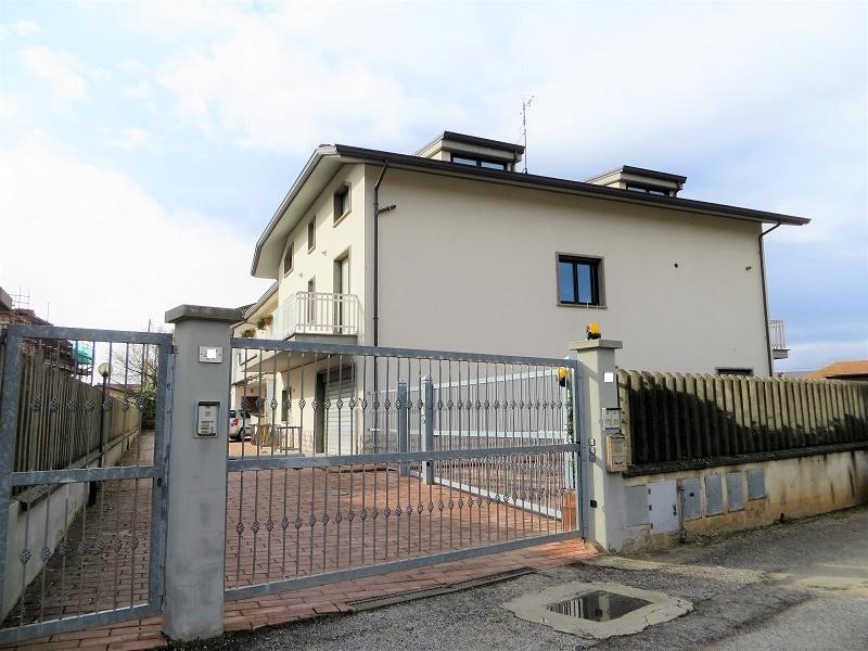 Attico / Mansarda in affitto a L'Aquila, 3 locali, zona Località: Acquasanta, prezzo € 450   CambioCasa.it