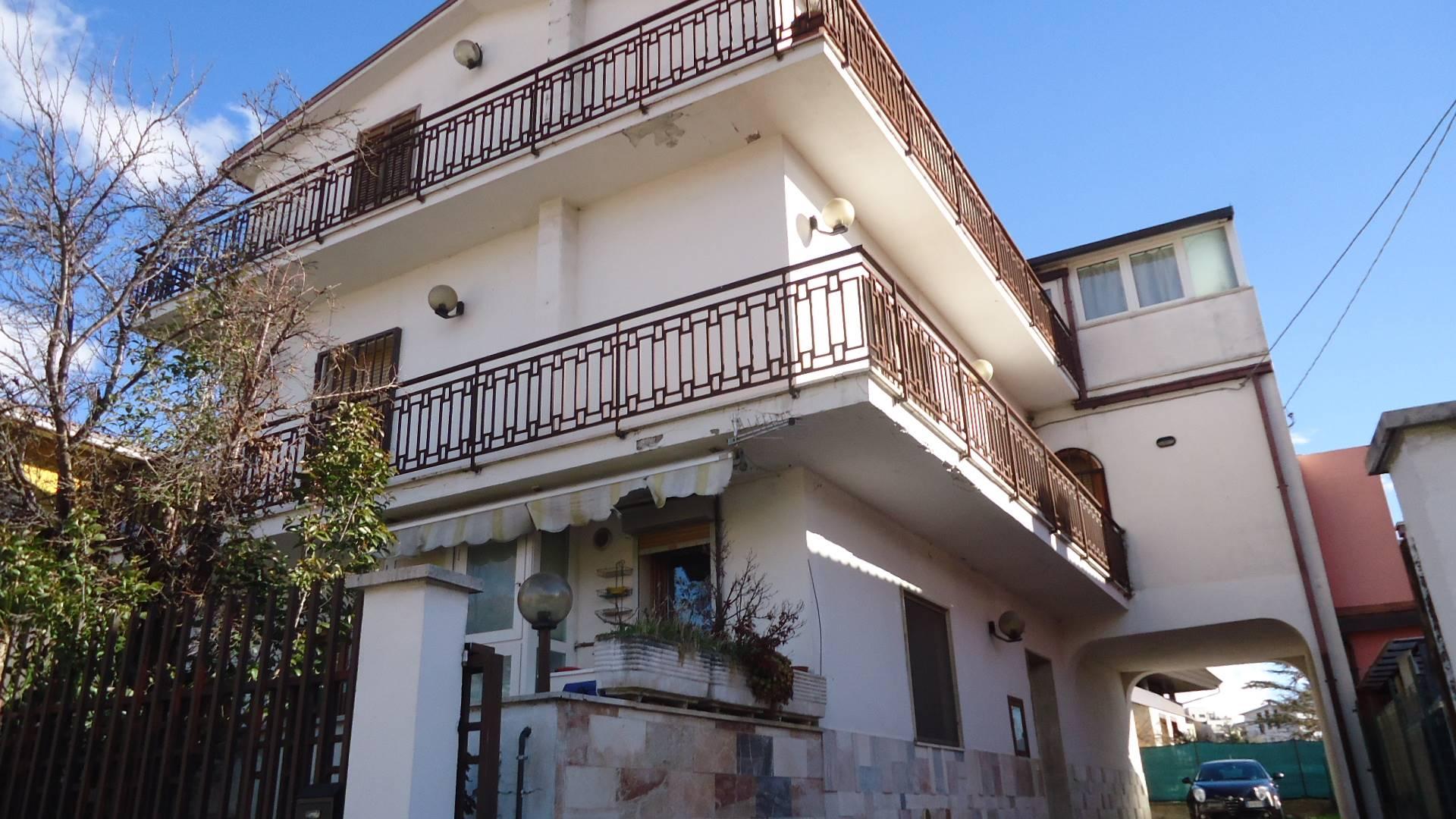 Appartamento in affitto a L'Aquila, 4 locali, zona Località: S.Sisto, prezzo € 500 | CambioCasa.it