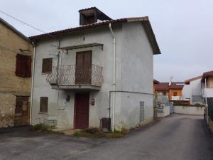 Casa Cielo-Terra in Vendita a L'Aquila