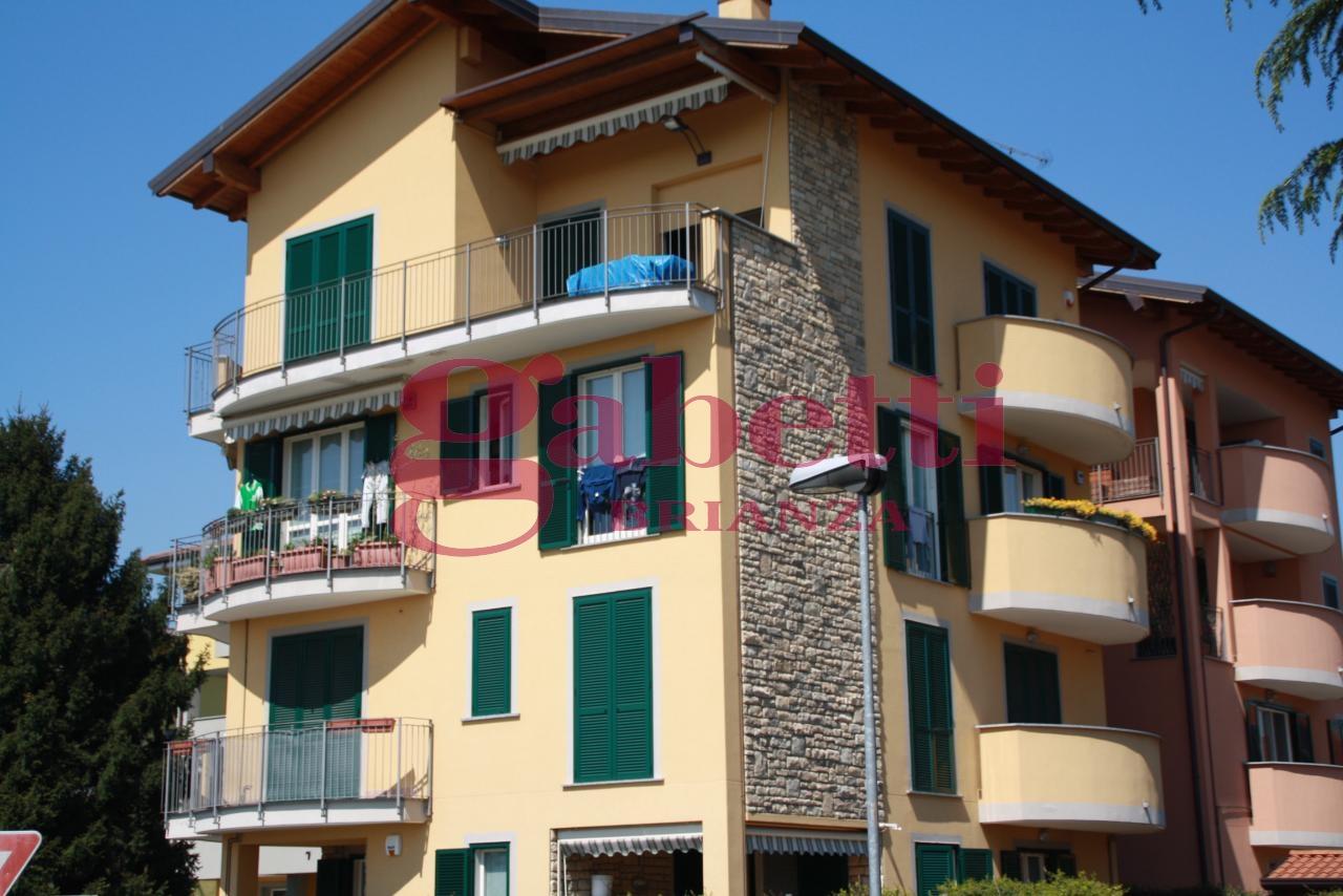 Appartamento in vendita a Usmate Velate, 3 locali, prezzo € 270.000 | Cambio Casa.it
