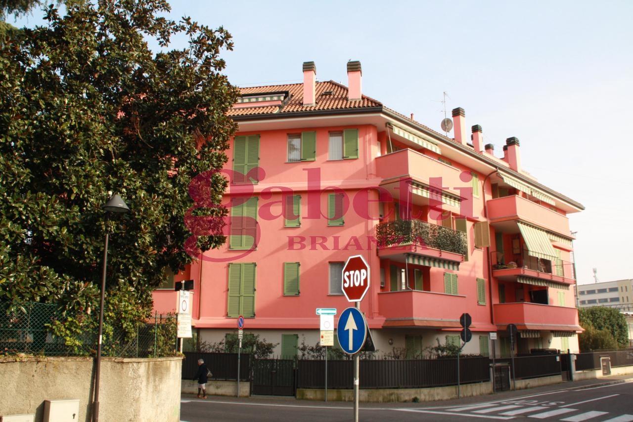 Bilocale Arcore Via S.francesco 8