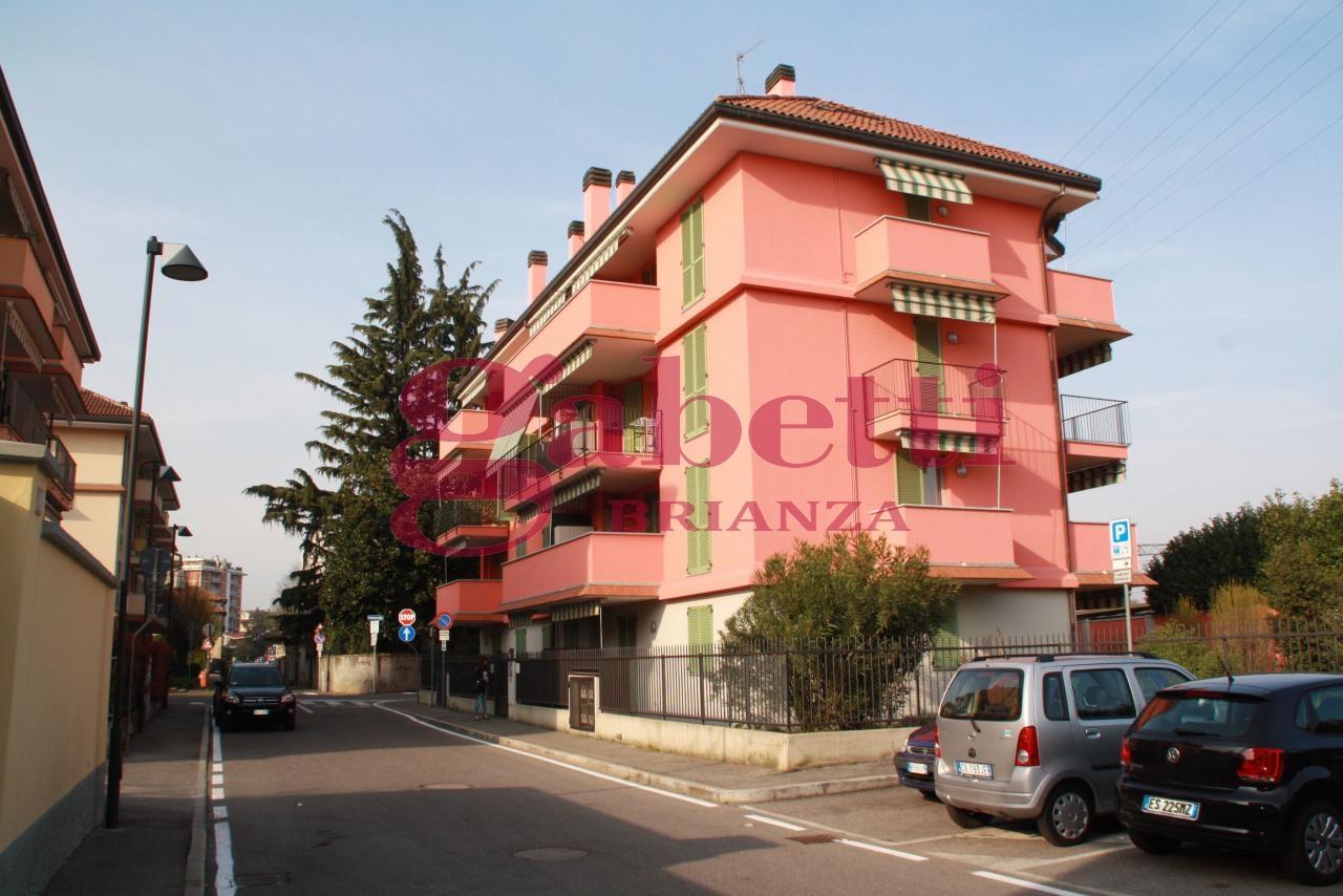 Bilocale Arcore Via S.francesco 9