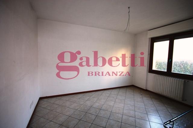 Bilocale Usmate Velate Via Venezia 5