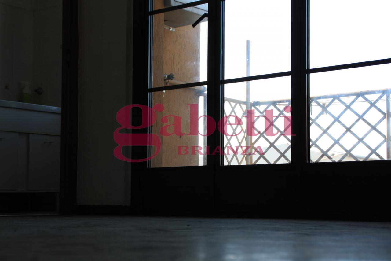 Bilocale Cornate d Adda Via Cesare Battisti 5