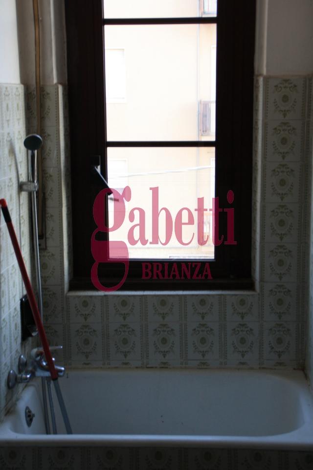 Bilocale Cornate d Adda Via Cesare Battisti 8