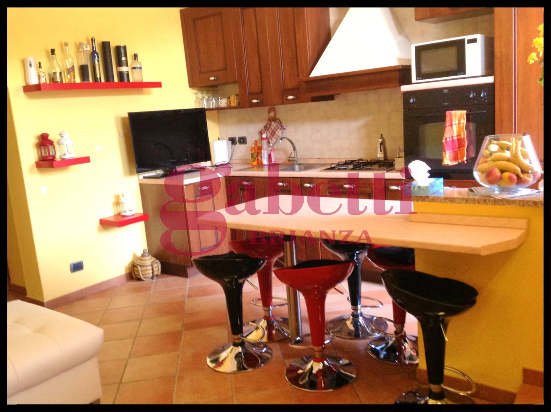Appartamento in vendita a Arcore, 3 locali, zona Zona: Bernate, prezzo € 109.000 | Cambio Casa.it