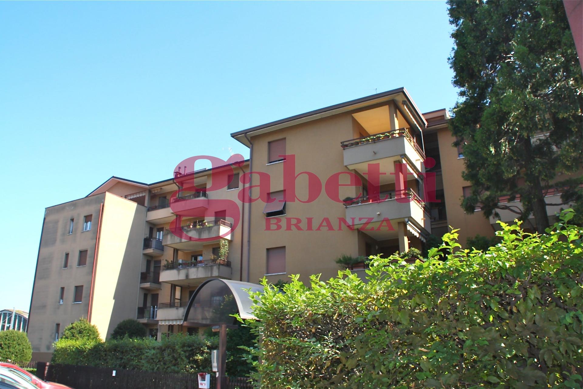 Appartamento in vendita a Arcore, 3 locali, prezzo € 115.000 | Cambio Casa.it