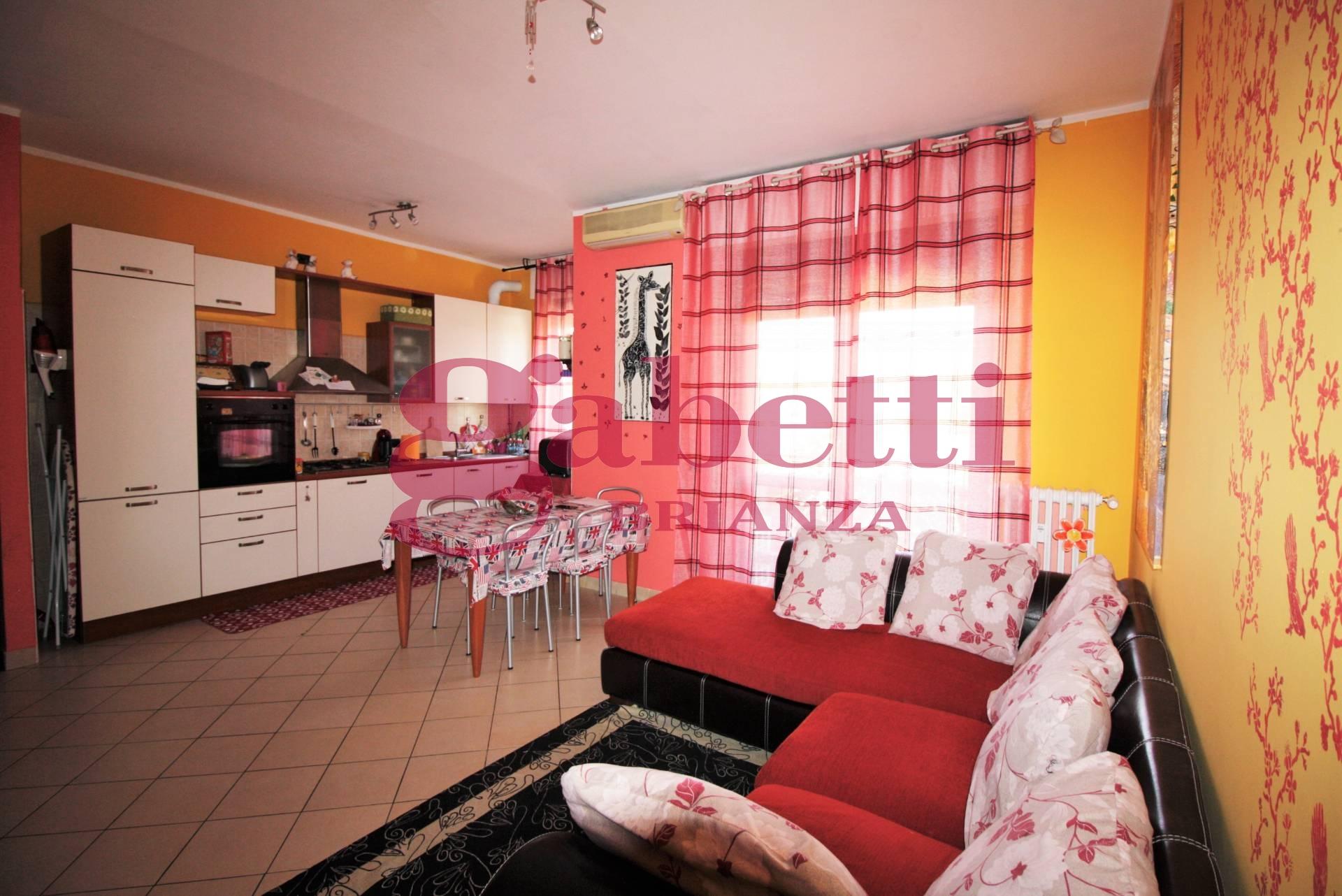 Bilocale Arcore Via Ferrini 8
