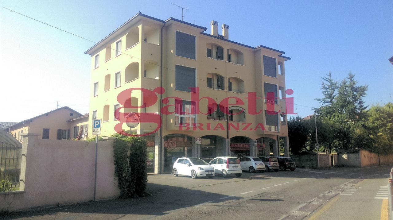 Appartamento in vendita a Arcore, 4 locali, prezzo € 150.000 | Cambio Casa.it