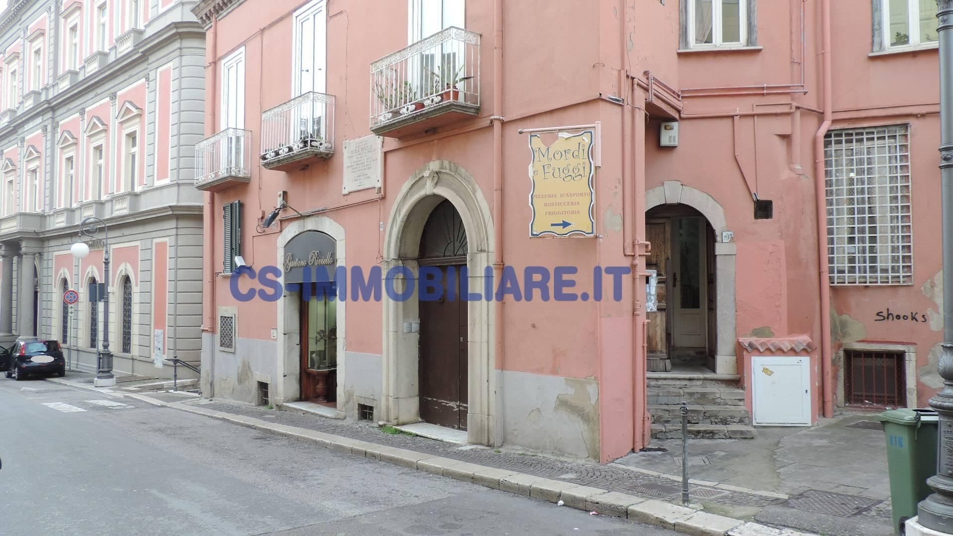 Appartamento in vendita a Potenza, 4 locali, zona Località: Centrostorico, prezzo € 99.000 | Cambio Casa.it