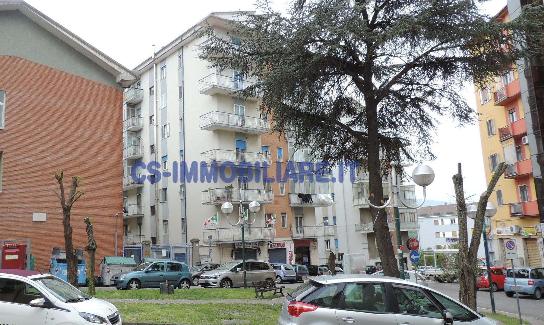 Appartamento in vendita a Potenza, 4 locali, zona Località: RioneLucania, prezzo € 133.000 | Cambio Casa.it