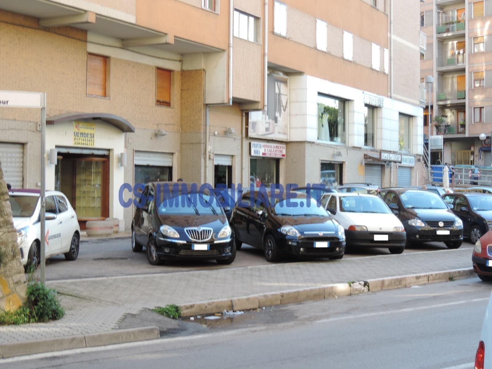 Negozio / Locale in vendita a Potenza, 9999 locali, zona Zona: Semicentro, prezzo € 157.500 | Cambio Casa.it