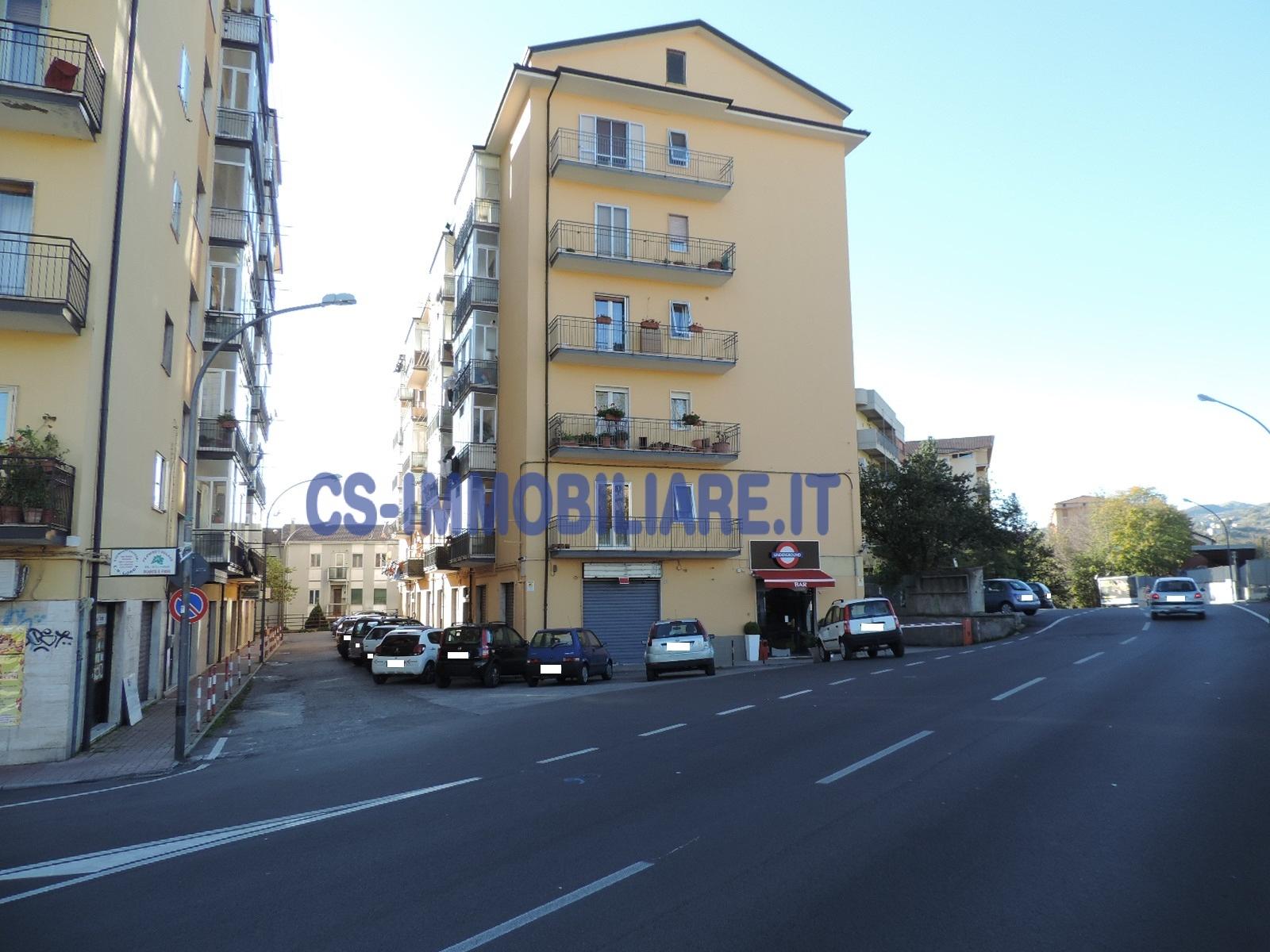 Appartamento in affitto a Potenza, 4 locali, zona Zona: Semicentro, prezzo € 450 | Cambio Casa.it